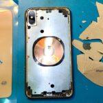 Iti cumperi telefon nou sau il repari pe cel actual?